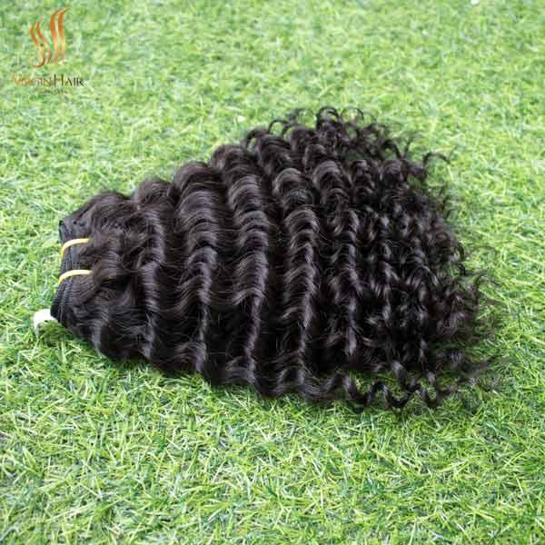 Single drawn - deep curly hair - virgin human hair - hair bundles and closure