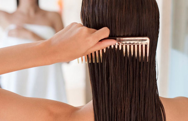 Wide tooth comb is the best friend of wet hair
